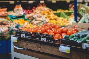 Como economizar nas compras do dia-a-dia