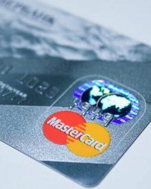Cartões de crédito sem despesas