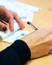 Empréstimos particulares com cheques